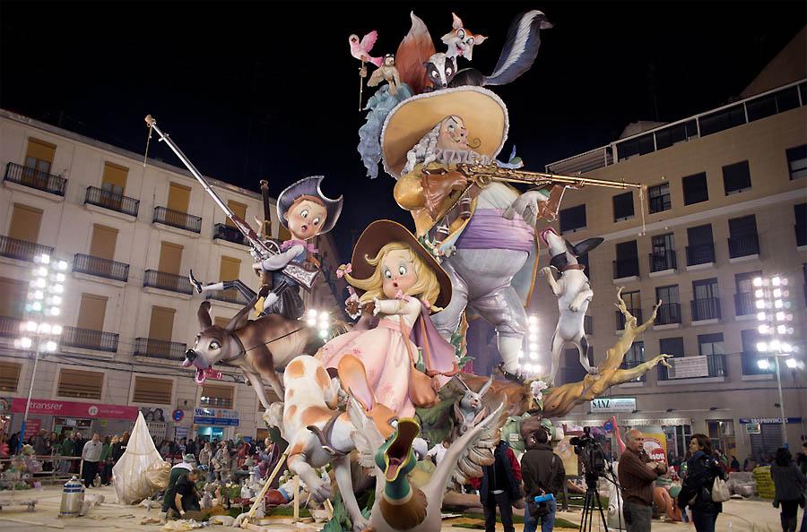 Праздник «Лас Файяс»