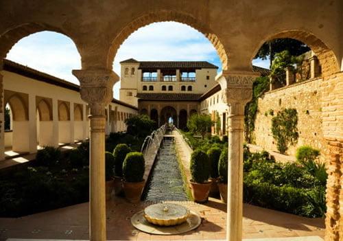 Альгамбра внутренний двор