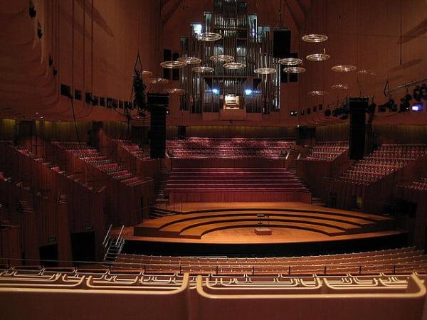 Орган в оперном театре