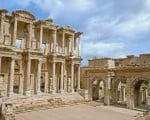 фасад библиотеки Цельсия в Эфесе