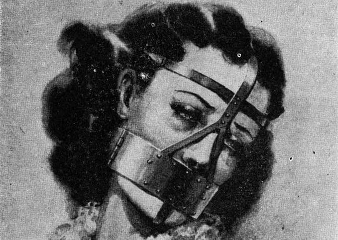 Наказание жены с кляпом во рту