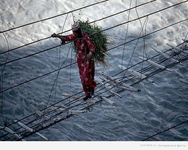 о мосте Хуссаини
