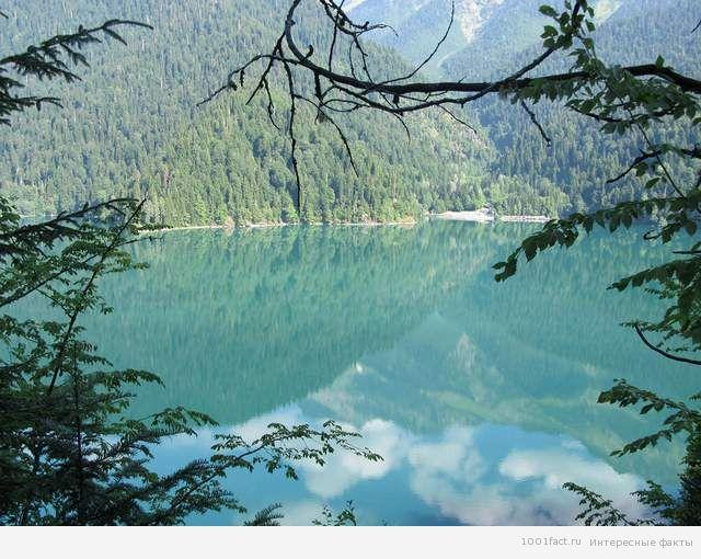 озеро в Абхазии_Рица