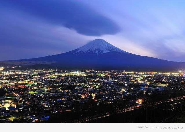 вид на вулкан Фудзияма