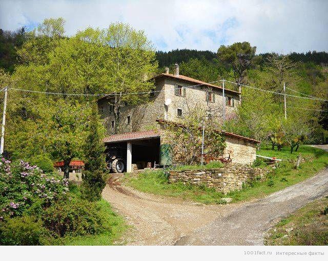 брошенный дом на Сицилии