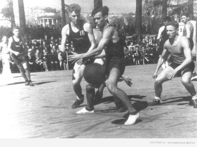 первые игры в баскетбол