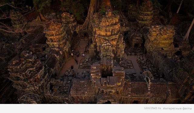 храм внутри