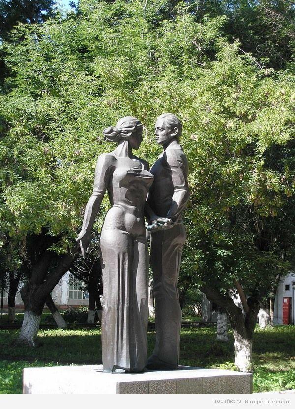 памятник в Тольятти
