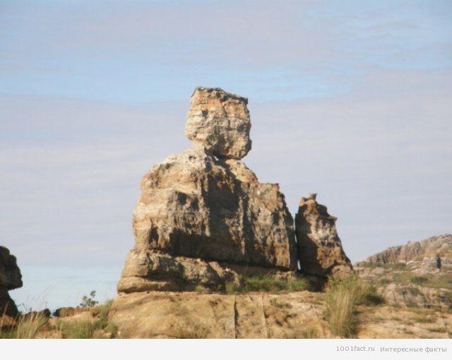 памятники на Мадагаскаре