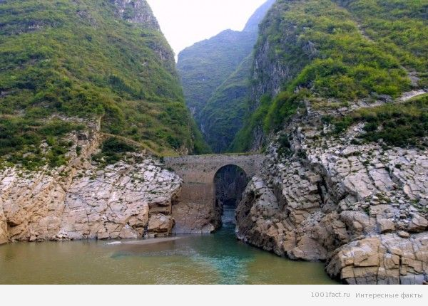 река в Китае_Голубая река