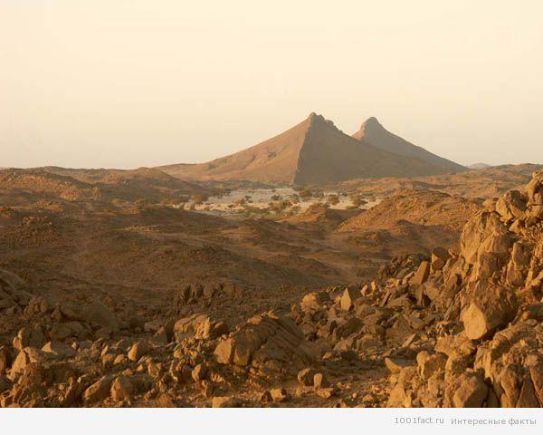 Земля_уникальное плато в Сахаре