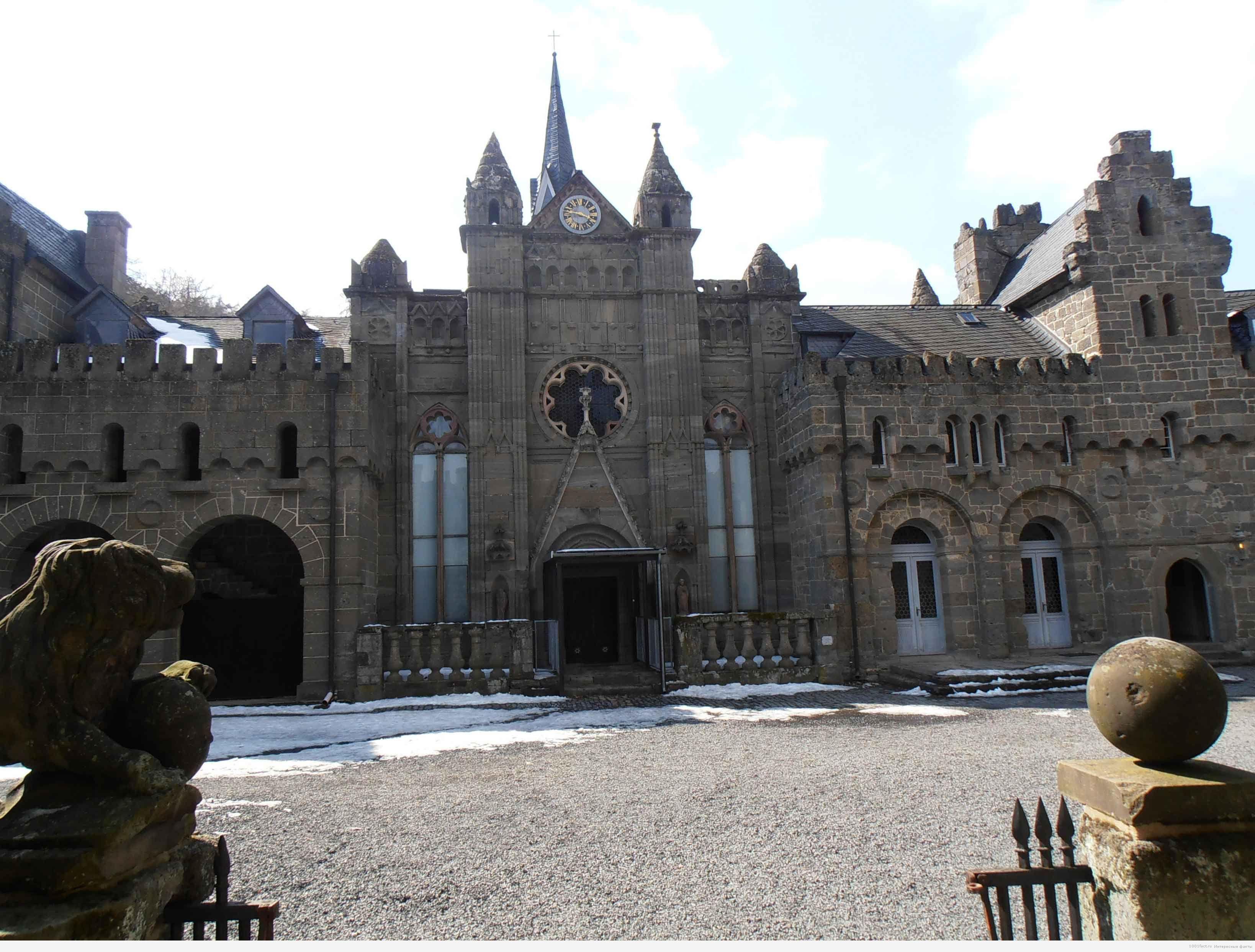 Львиный замок_сооружение