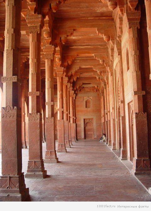 сооружения древности Фатехпур-Сикри