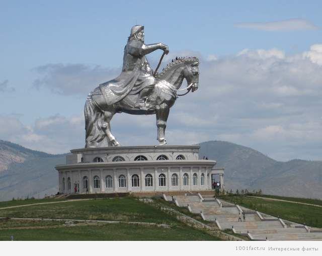 Монголия памятник полководцу