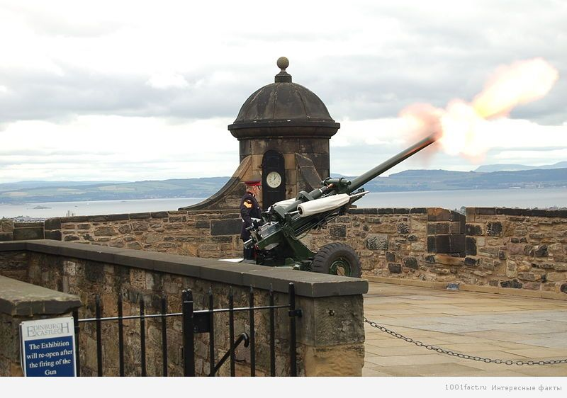 неприступный замок в Эдинбурге