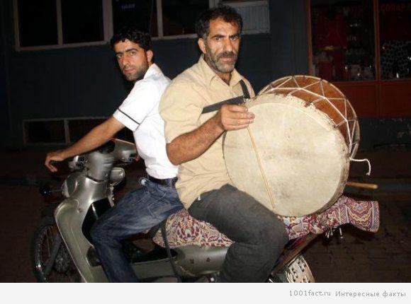 празднование Рамадана_барабанщик