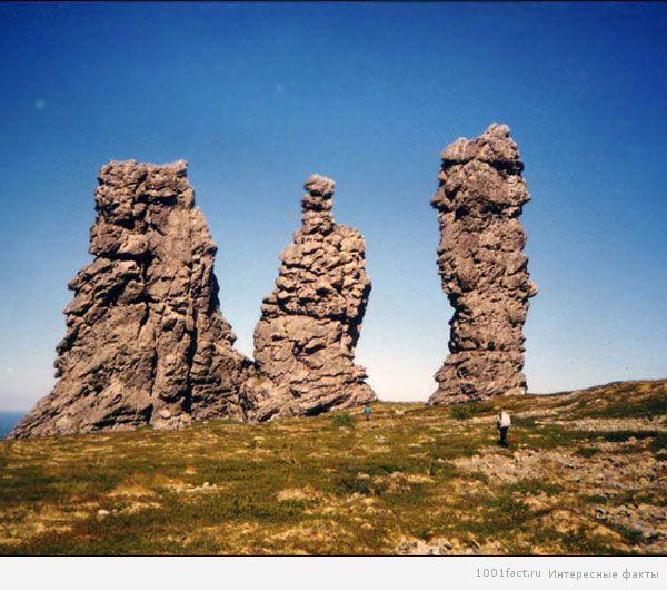 вид на фигуры из камня